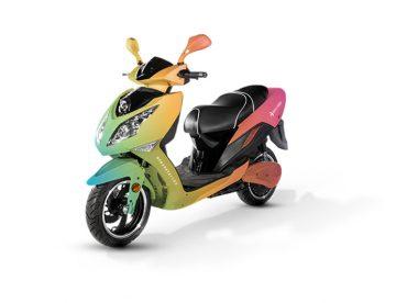Blitz Motors представила «междугородний» электроскутер — 120 км/ч и 200 км автономности
